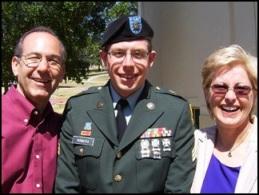 Daniel Somers z rodzicami - Howardem i Jean