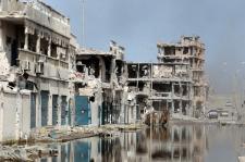 """Sytra zniszczona przez NATO i """"rebeliantów""""."""
